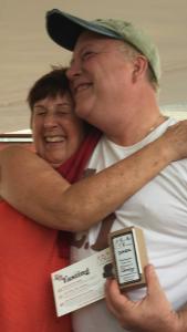linda-hugging